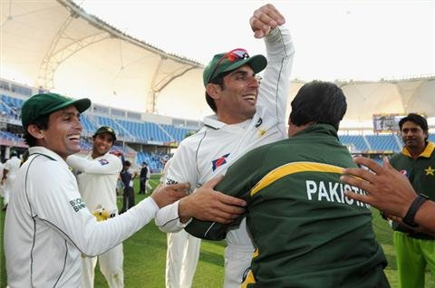 Misbah suspended for slow over-rate