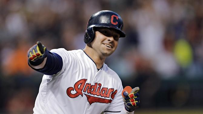 Kluber, Swisher lead Indians past White Sox 7-4
