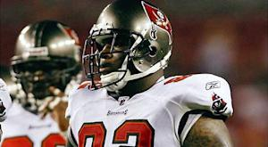 Bears acquire DT Price from Buccaneers