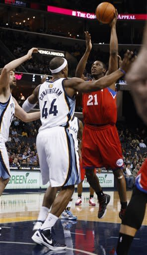 Gasol, Gay lead Grizzlies past 76ers, 89-76