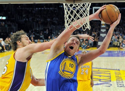 Lakers rout Warriors 101-77 after Brown's firing