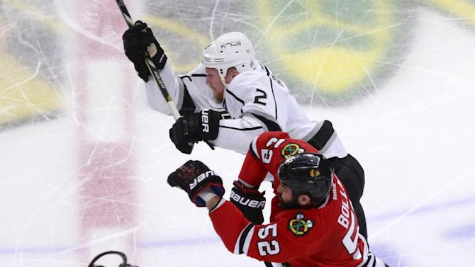 Kings rally past Blackhawks 6-2 in Game 2