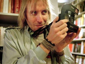 Rhys Ifans in Paramount Classics' Enduring Love