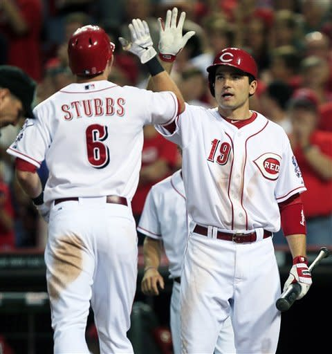 Arroyo loses no-hitter, but Reds beat Brewers 4-3