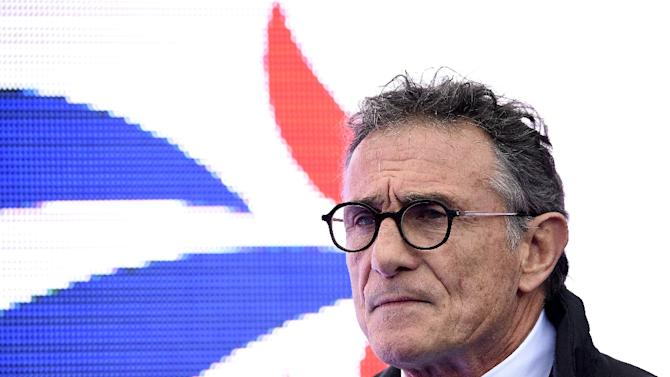 France coach Guy Noves has rung the changes for his side's Six Nations clash with champions Ireland