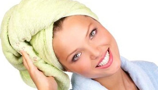 كيف تعالجين الشعر شديد التلف؟