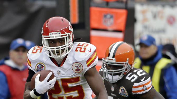 Kansas City Chiefs running back Jamaal Charles (25) breaks away from Cleveland Browns linebacker D'Qwell Jackson (52) on an 80-yard touchdown run in the first quarter of an NFL football game Sunday, Dec. 9, 2012, in Cleveland. (AP Photo/Mark Duncan)