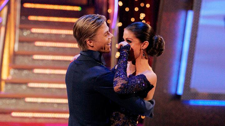 Shannon Elizabeth and her professional partner Derek Hough, are the fourth couple to be eliminated from the 6th season of Dancing with the Stars.