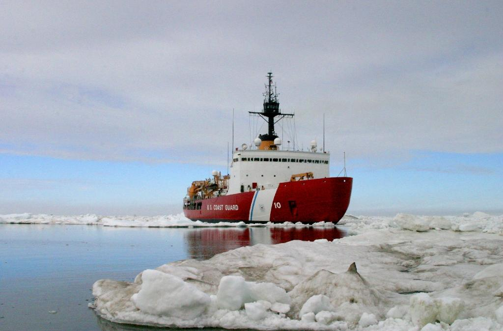 US to hasten replacement of icebreaker amid Arctic scramble