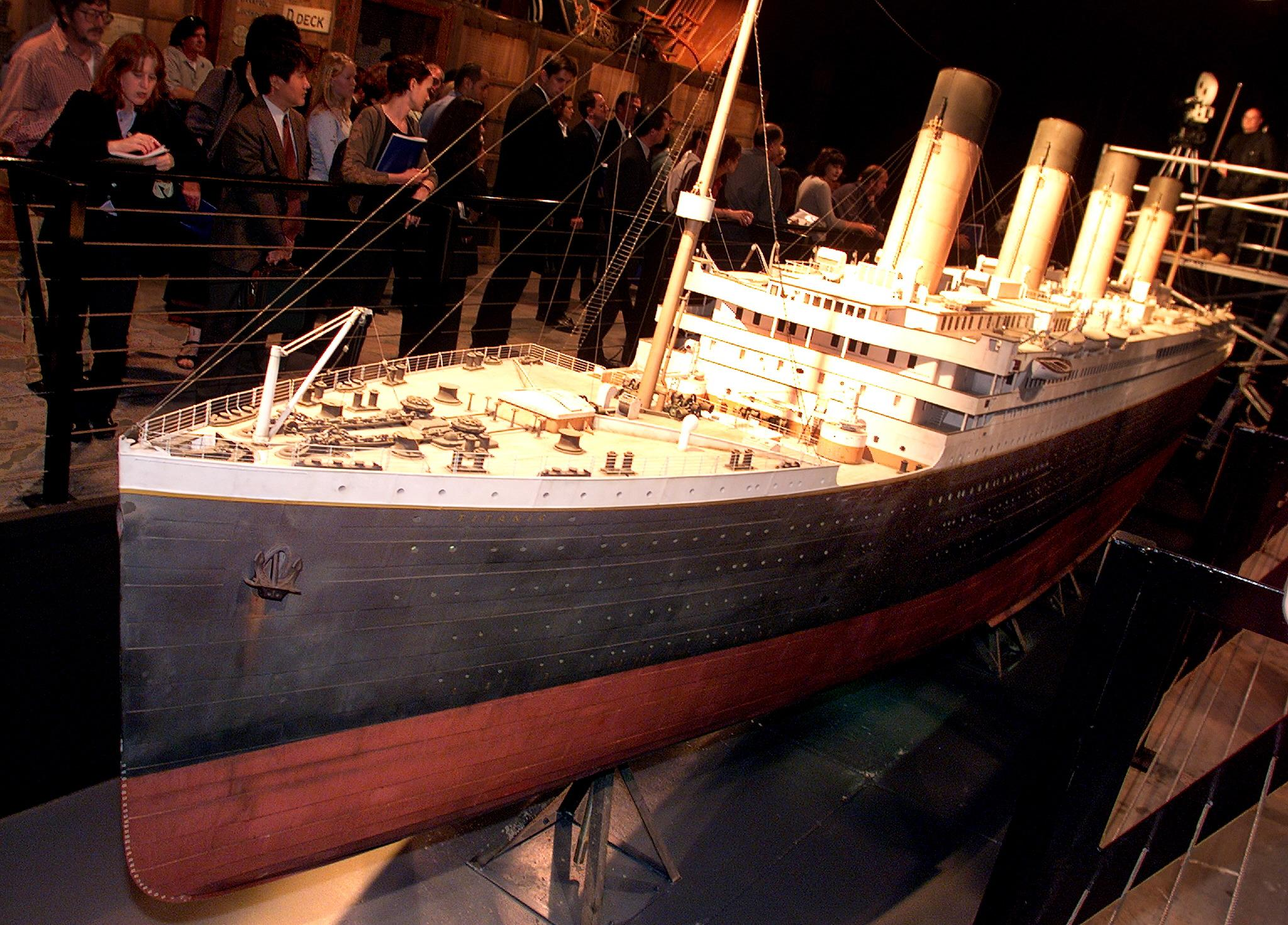 Titanic replica to set sail in 2018