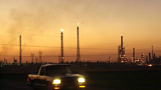 Fight begins over opening up Mexico's oil monopoly