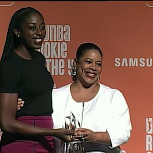 Chiney Ogwumike Wins ROY