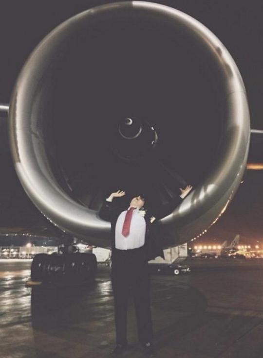 Flight Attendants Share Engine Pictures After Spirit Airlines Controversy