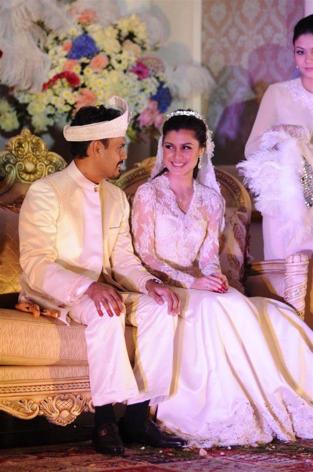 Gambar perkahwinan Yusry dan…