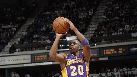 Lakers beat Kings 106-100, await Bryant's return