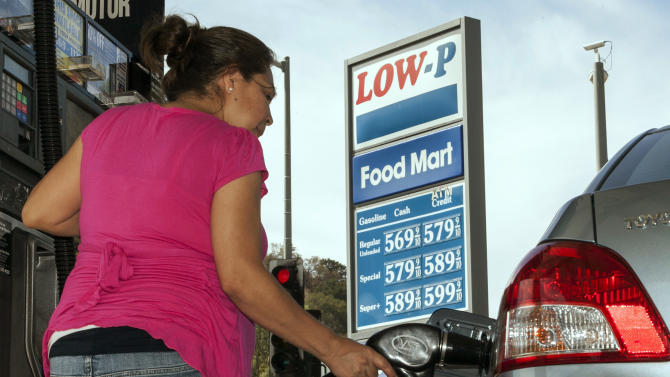 Short supplies keep gas prices rising in Calif.