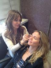 Anastasia Soare shapes Heidi Klum's eyebrows --