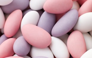 The worst wedding gifts for your guests: Sugared almonds