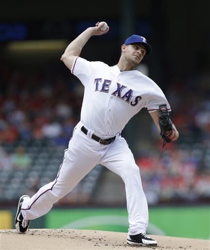 Moreland HR backs Grimm; Rangers top D-backs 9-5