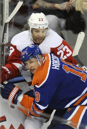 Oilers blow 3-1 lead but top Red Wings in shootout