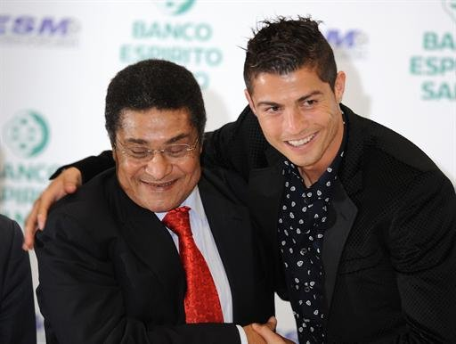 Portugal - Eusebio set to stay in hospital till Thursday - doctor