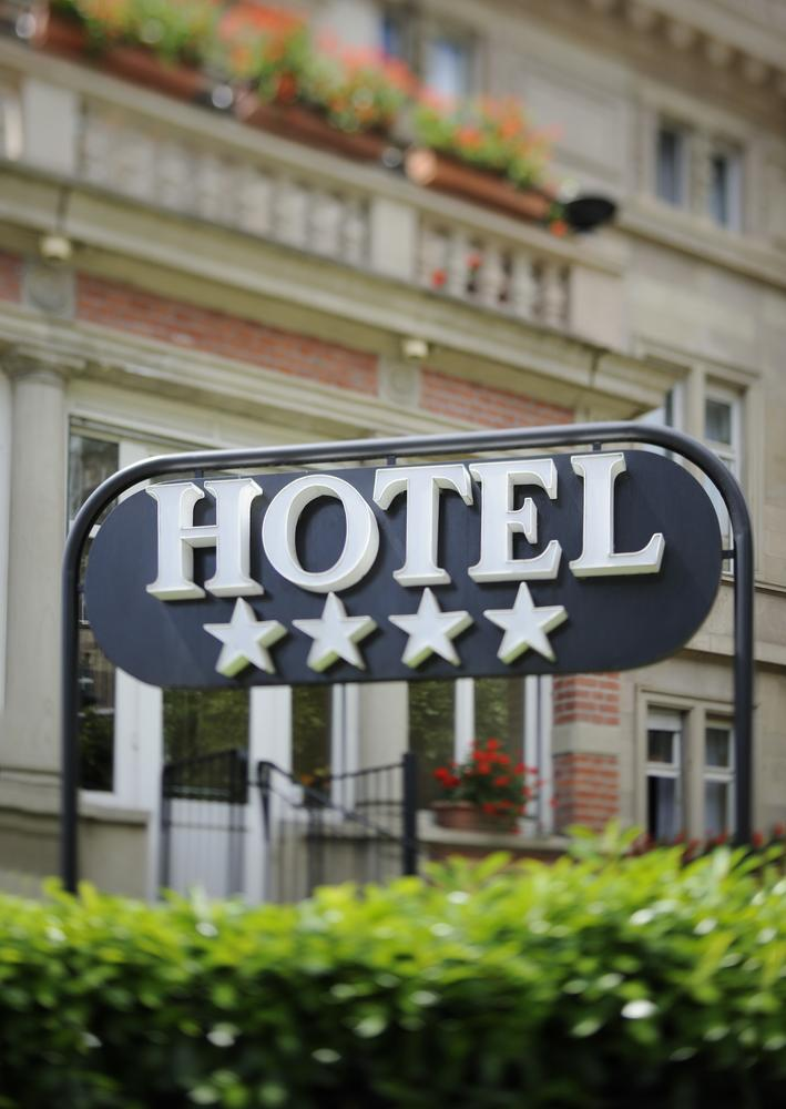 Global hotel prices rose slightly in first half of 2015: report
