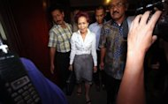 Sebelum Jalani Sidang, Miranda Bercanda dengan Cucu
