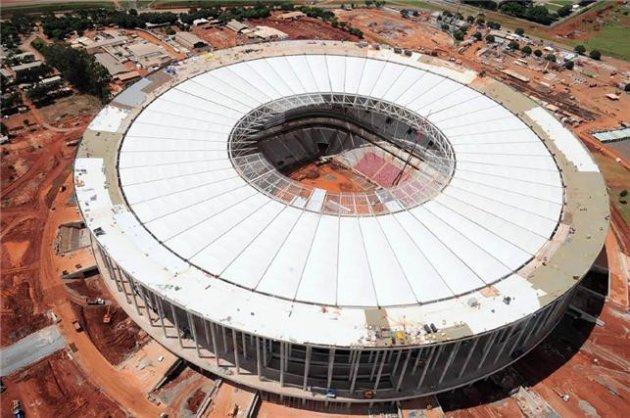'Mané Garrincha' pode ser retirado de nome do estádio (Foto: Lula Lopes)