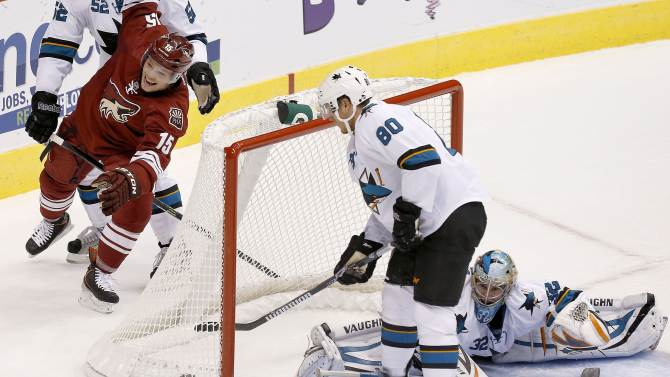 Coyotes assign Max Domi to OHL's London Knights