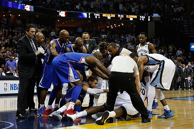 Zach Randolph, Blake Griffin wrestle; Z-Bo, Chris Paul ejected as Grizzlies oust Clippers ...