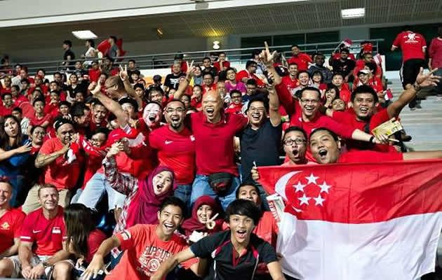 Singapore football's die-hard fans. (Goal.com Photo)