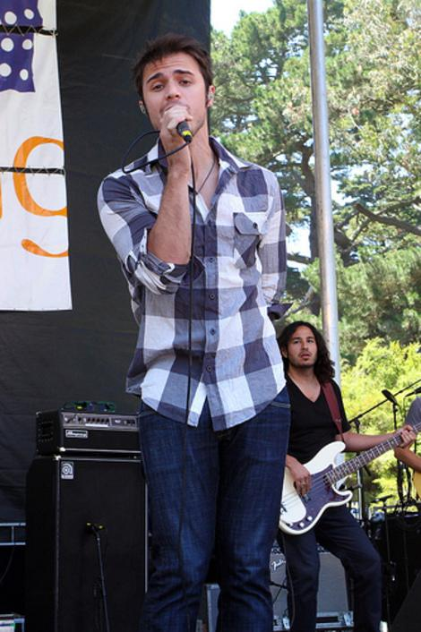 """American Idol"" Kris Allen Expecting Baby: Other Former Idol Stars in the Headlines"