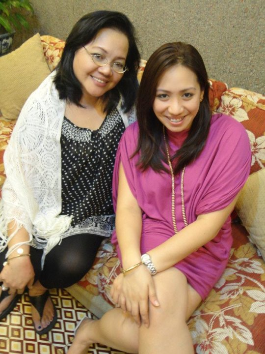 Chesca de Jesus and her mother