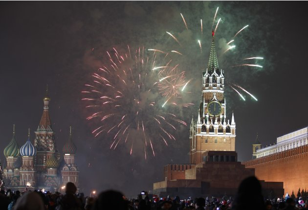 Fireworks explode during New Year's Day celebration on Red Square in Moscow