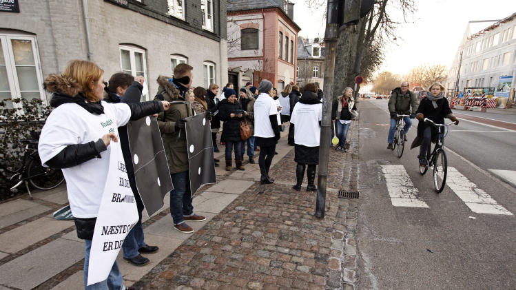 Danish teachers locked out after talks fail