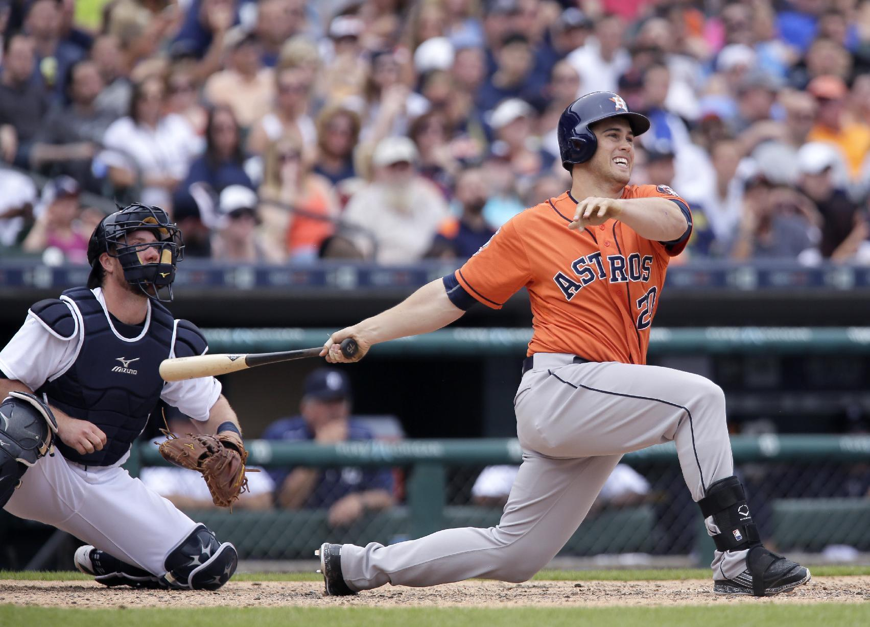 Astros rally for 10-8 win over Tigers, split 4-game series