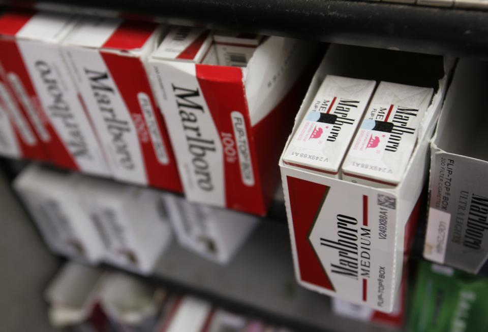 Philip Morris Int'l 1Q profit falls nearly 2 pct