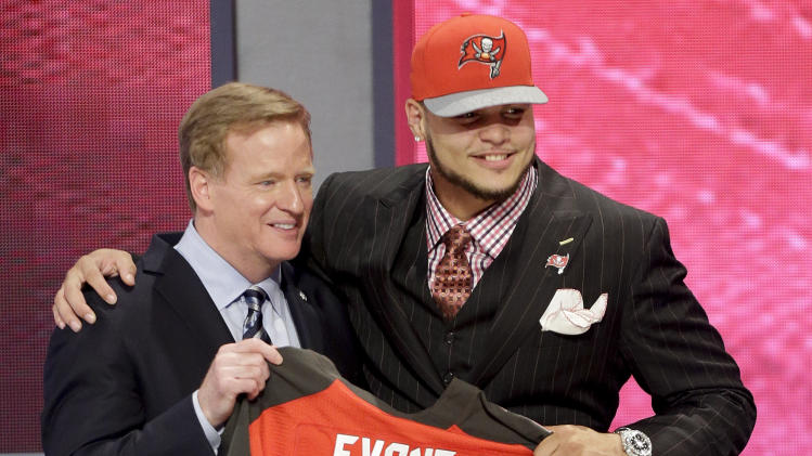 Buccaneers draft receiver Mike Evans to create a dynamic duo wi…