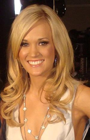 Carrie Underwood looked lovely at the Grammy Awards.