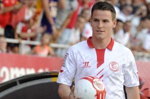Sevilla slams PSG over Gameiro deal
