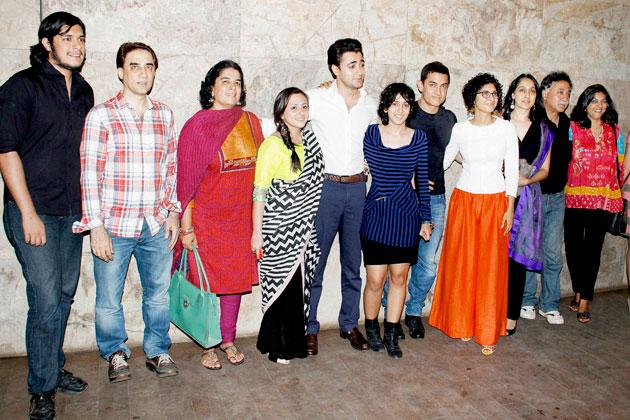 Aamir attends 'QSQT' screening with crew, family