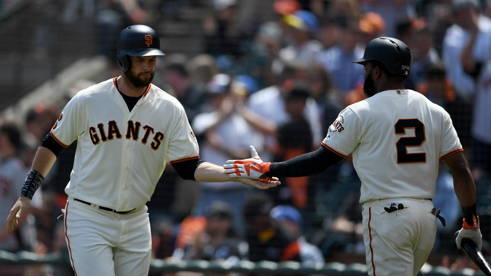 Giants outscore Padres in thriller, Blue Jays swept at home by White Sox