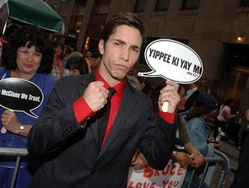 Justin Long at the New York premiere of 20th Century Fox's Live Free or Die Hard
