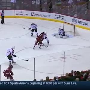 Reto Berra Save on Zbynek Michalek (08:47/1st)