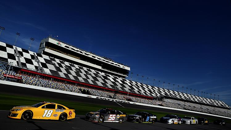 The Sprint Unlimited, 500 qualifying kick off 2013