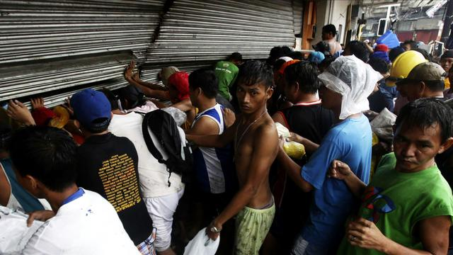 Death toll rising in super typhoon aftermath