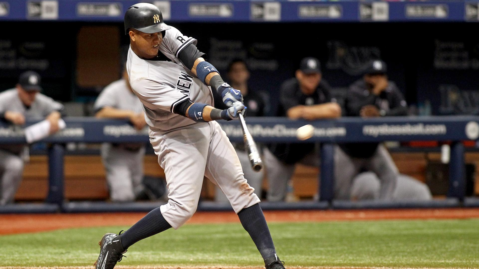 Yankees win with one hit, Correa leads Astros