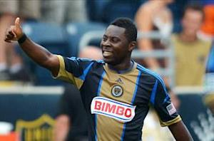 Adu completes Bahia move; Union sign Kleberson as DP on loan