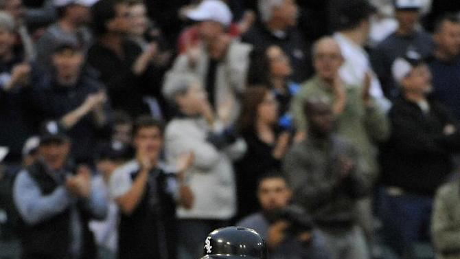 Abreu, Danks and White Sox top Verlander, Tigers