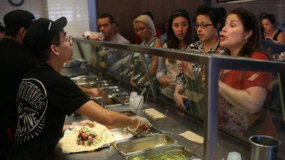 Norovirus Linked to Nearly 100 Cases of Food Poisoning at Chipotle